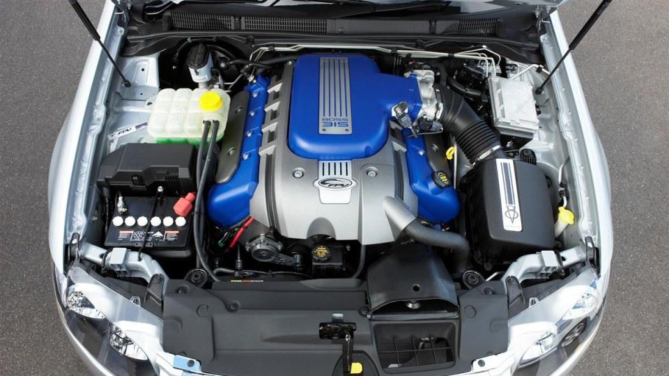 engine-bay_01.jpg