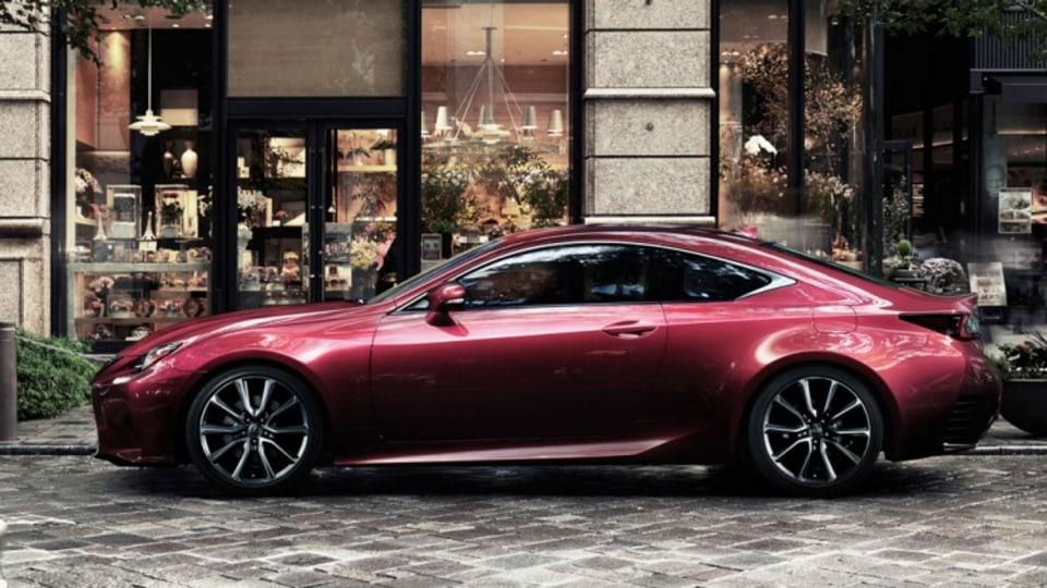 Lexus RC Coupe.