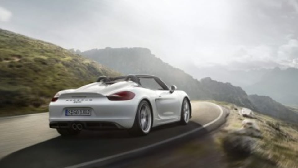 New Porsche Boxster Spyder revealed