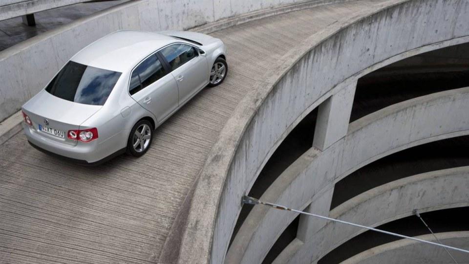 2010_volkswagen_jetta_update_04.jpg