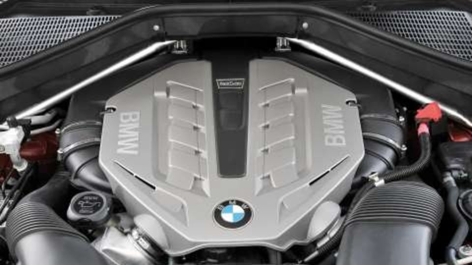 BMW Announces Pricing for its First-Ever V8 Twin Turbo: The X6 xDrive50i Sports Activity Coup