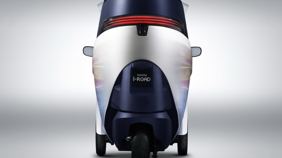 2013_toyota_i_road_mobility_concept_06