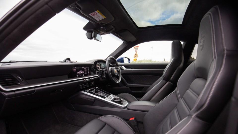 2021 Porsche 911 Turbo S Coupe review-3