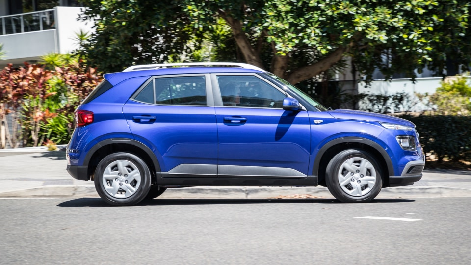 2020 Hyundai Venue Go review-1