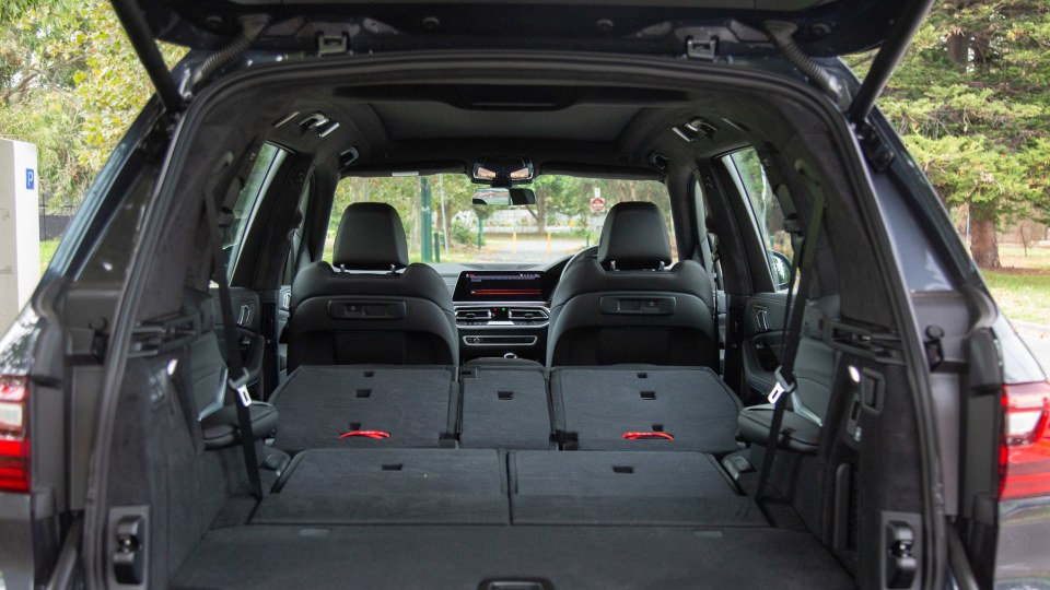 Drive Car of the Year Best Upper Large Luxury SUV 2021 BMW X7 boot interior