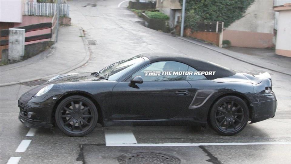 2012_porsche_911_cabriolet_spy-photos_08.jpg