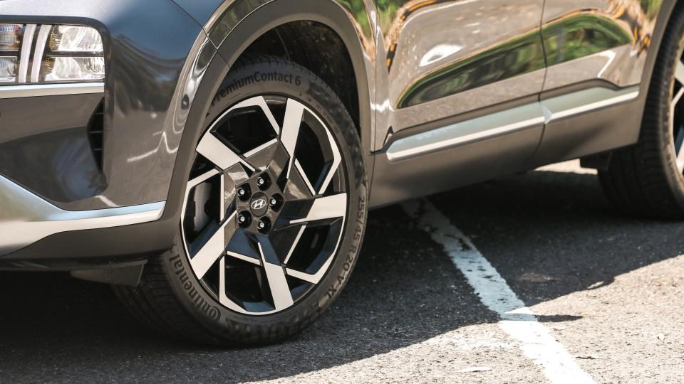 2021 Hyundai Santa Fe Elite review-2