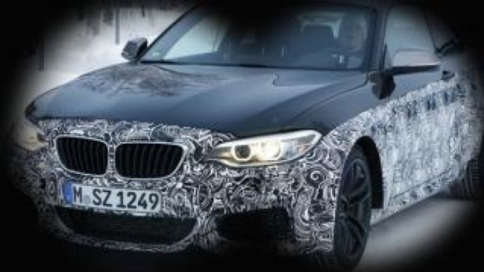 Spy photographers have snapped the new BMW M2 Coupe during testing.