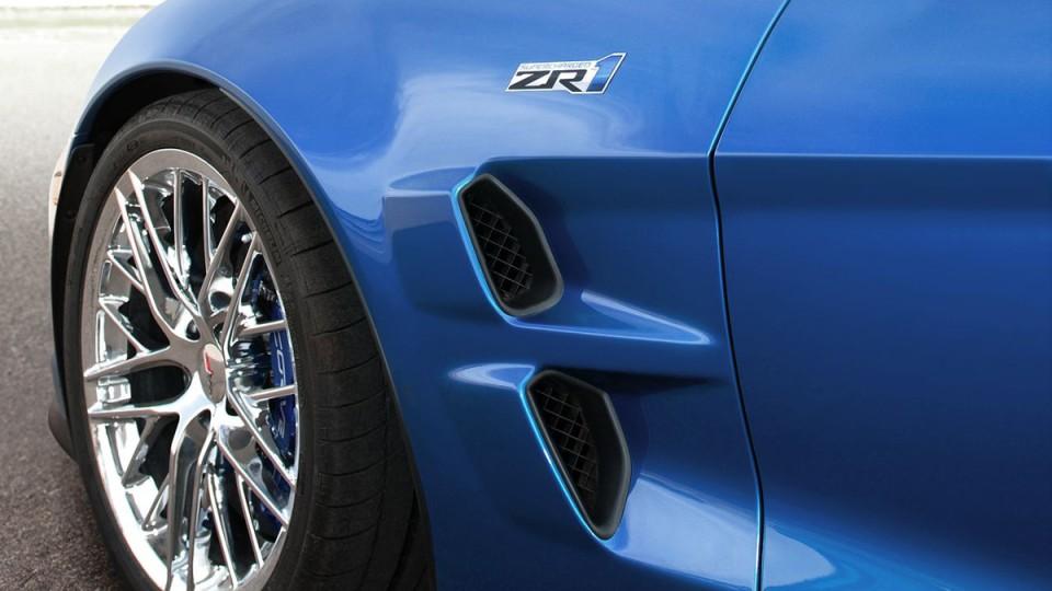 chevrolet-corvette-zr1-themotorreport-34.jpg