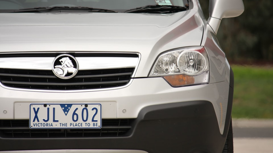 2010_holden_captiva_5_manual_road_test_review_08