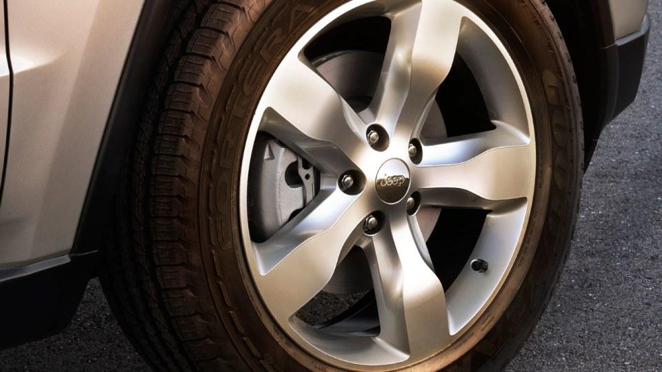 jeep_grand-cherokee_2011_19.jpg