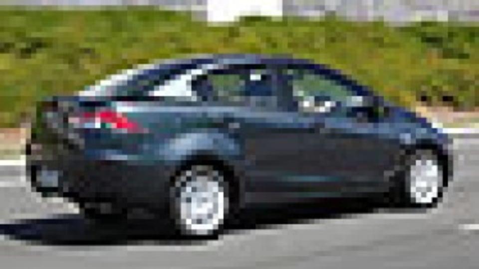MAZDA-2-sedan-2-th