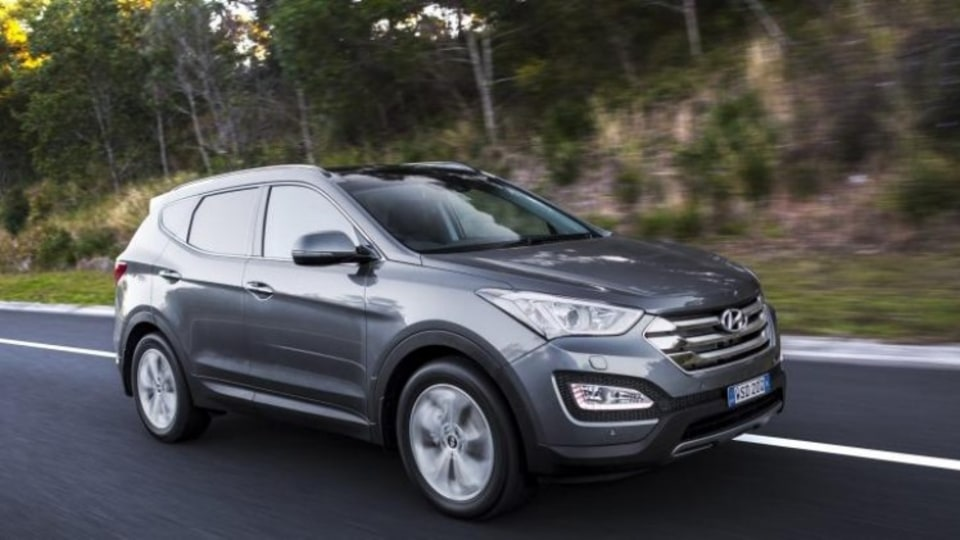The Hyundai Santa Fe's capped-price servicing credentials gives it the edge in this equation.