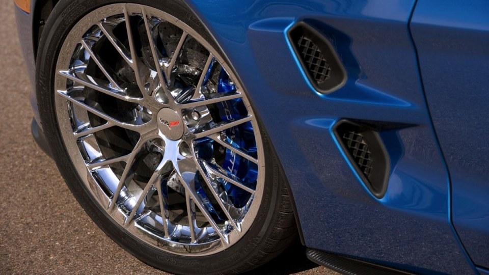 chevrolet-corvette-zr1-themotorreport-23.jpg