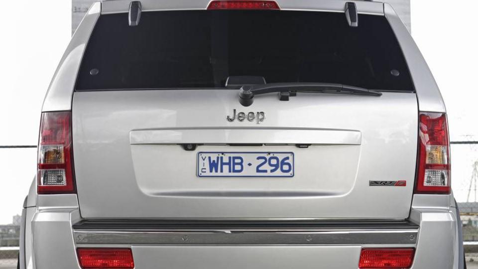 jeep_gcher_srt8_05_0.jpg