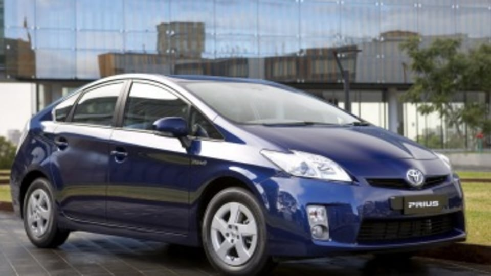 Toyota recalls 328,000 cars over fuel, airbag issues