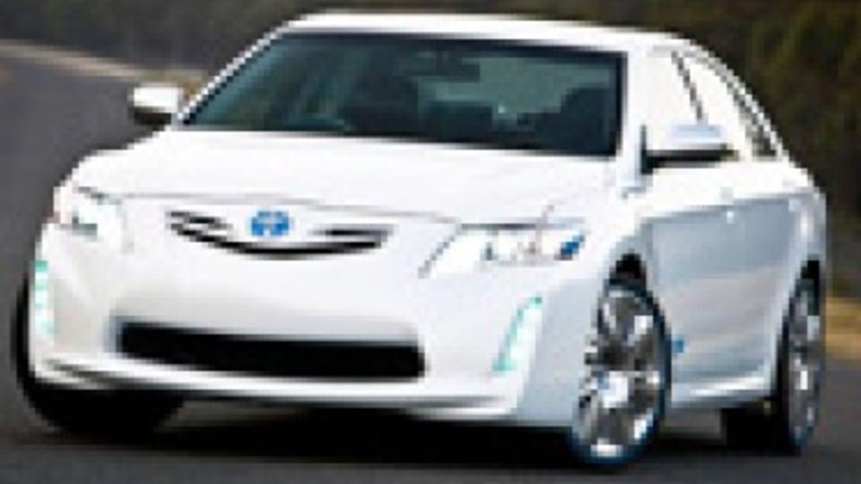 Toyota Hybrid Camry v Toyota Prius
