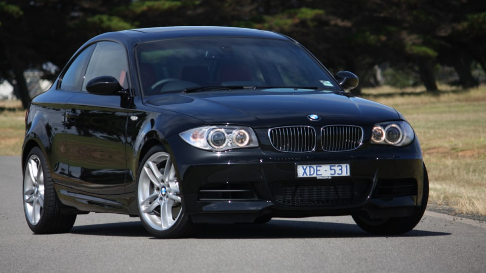 2010_bmw_135i_road_test_review_07