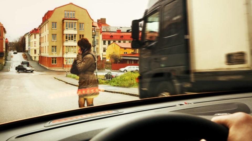 2011_volvo_v60_z_safety_07