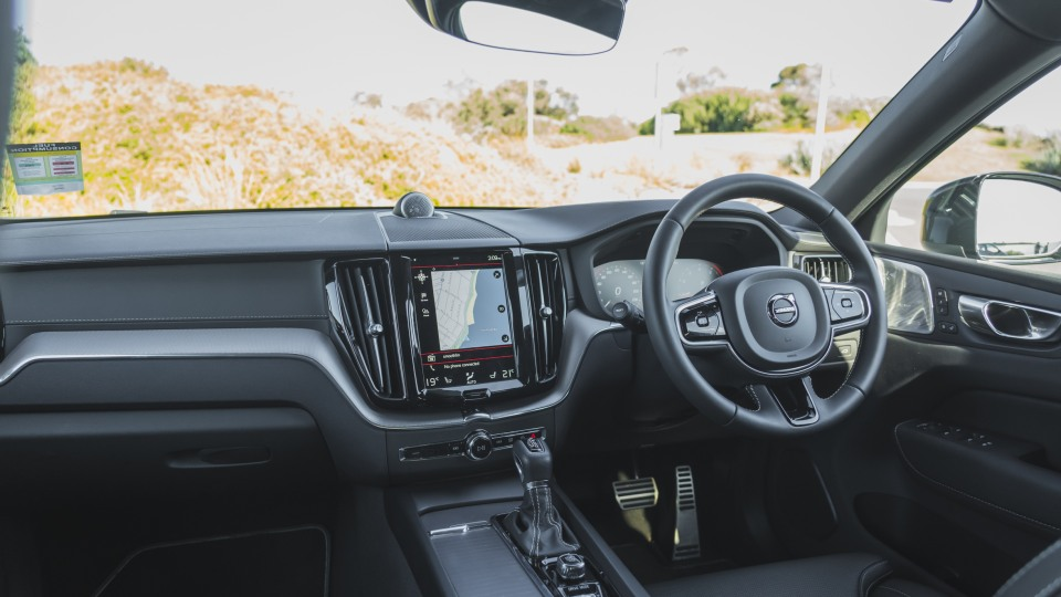 2021 Volvo XC60 T6 R-Design review-3