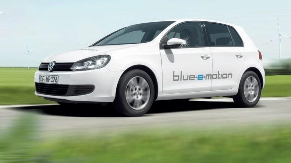 volkswagen_golf_blue_e_motion_11