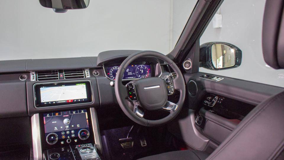 2018 Range Rover Sport SD4 SE.