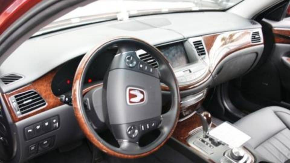 Hyundai Genesis interior - first pictures