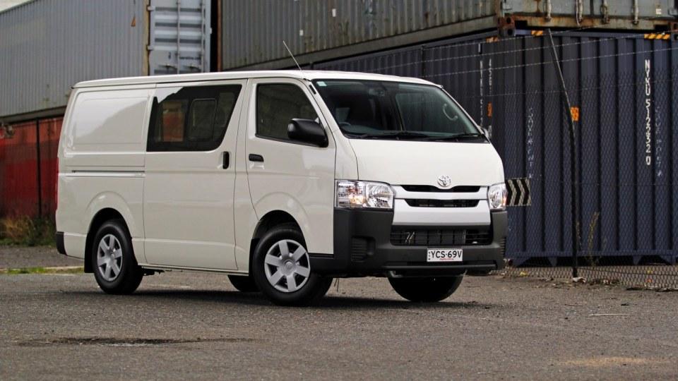 2015 Toyota HiAce  Review – LWB Crew Van: Australia's Favourite Load-Lugger