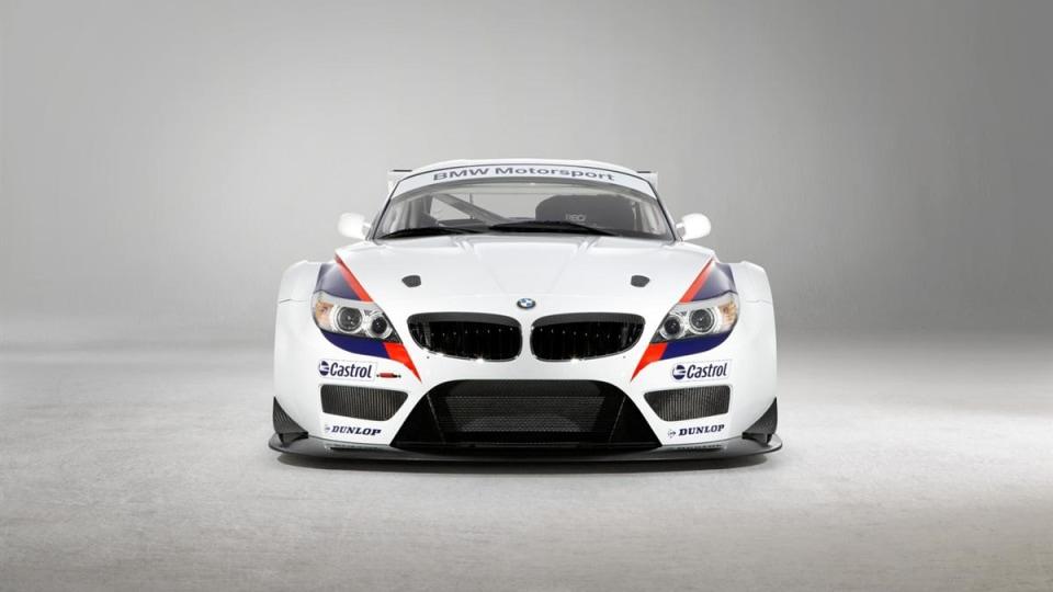 2010_bmw_z4_gt3_race_car_02