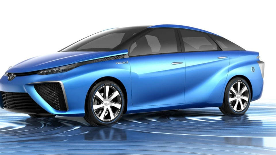 Toyota Previews FCV Hydrogen Car, Expects Prius-Like Market Success