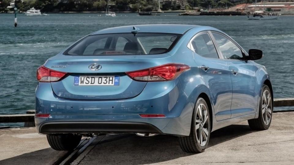 Hyundai Elantra Series II Premium.