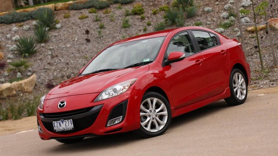 2011_mazda3_sp25_sedan_review_00