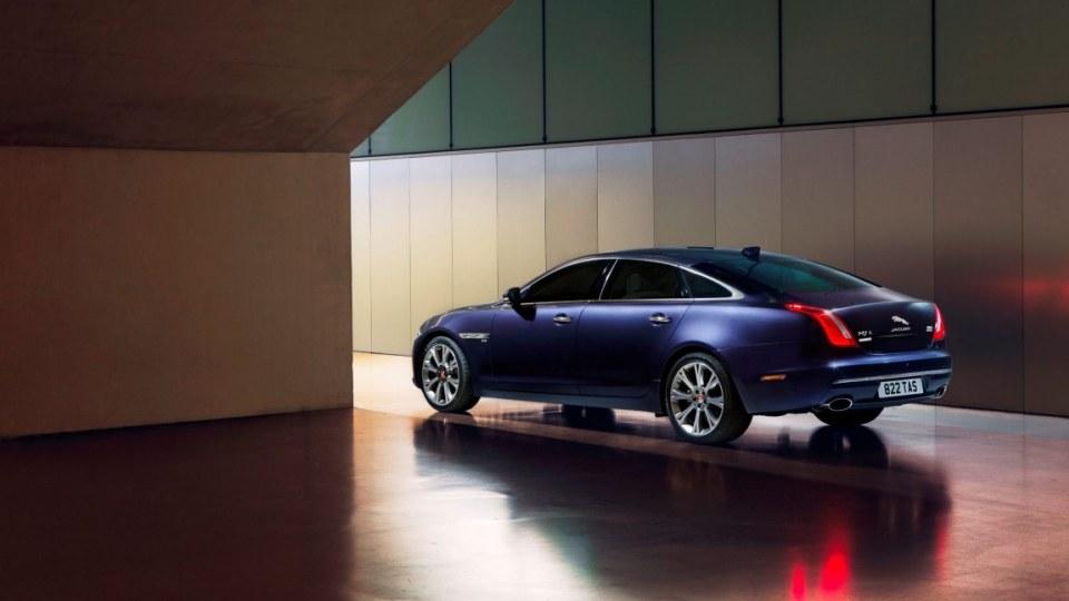2016 Jaguar XJ.