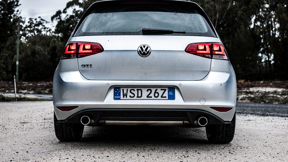 2014_volkswagen_golf_gti_first_drive_review_06