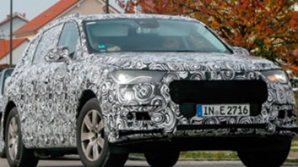 Audi Q7: new model caught