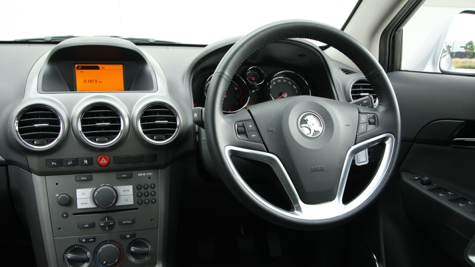 2010_holden_captiva_5_manual_road_test_review_20