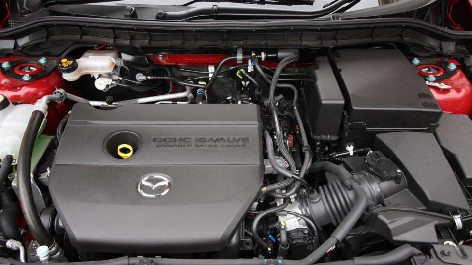 2011_mazda3_sp25_sedan_review_23