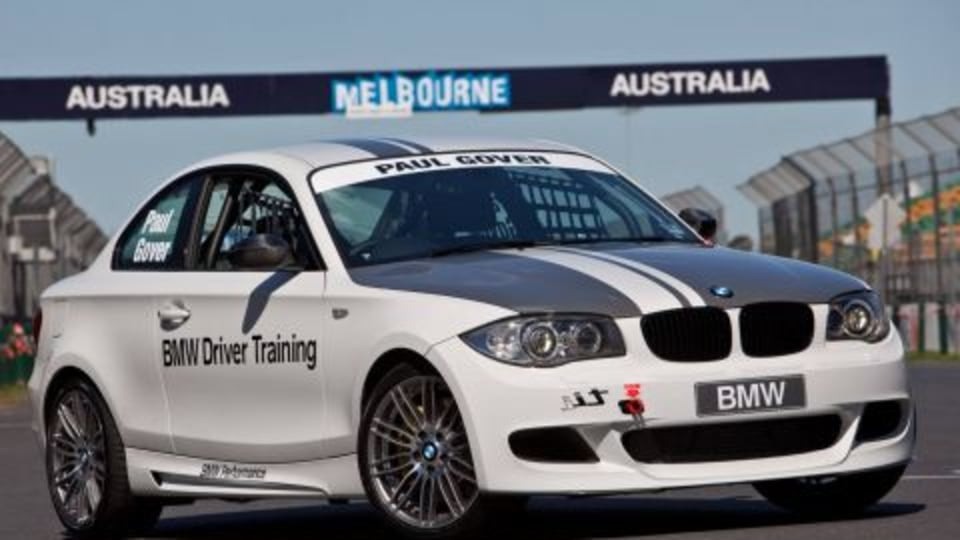 2009 BMW 135i Coupe To Take On BMW Sauber F1 Car At Albert Park