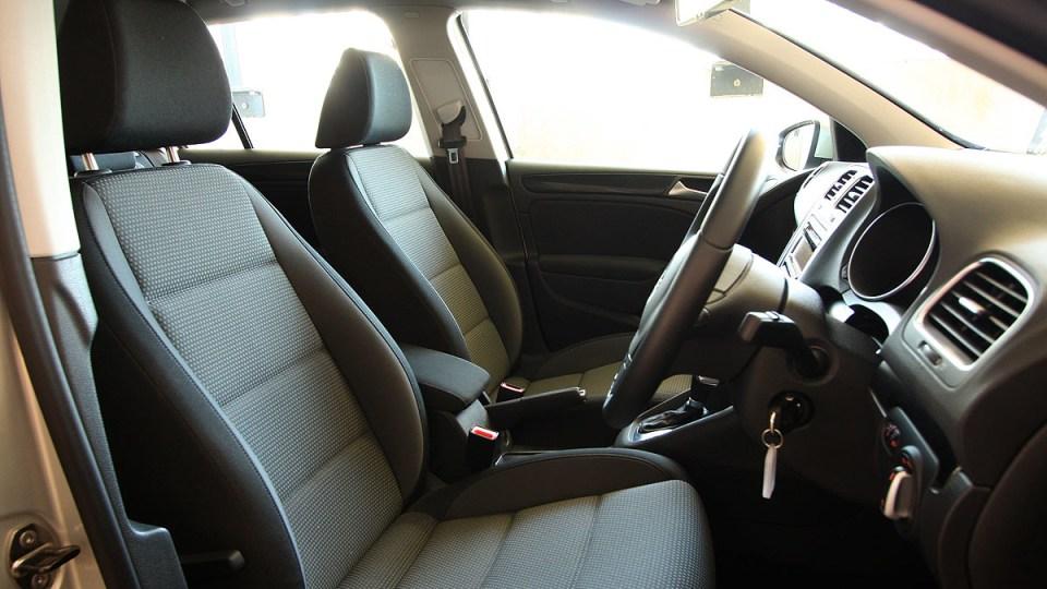 2010_volkswagen_golf_118tsi_comfortline_road-test-review_13.jpg