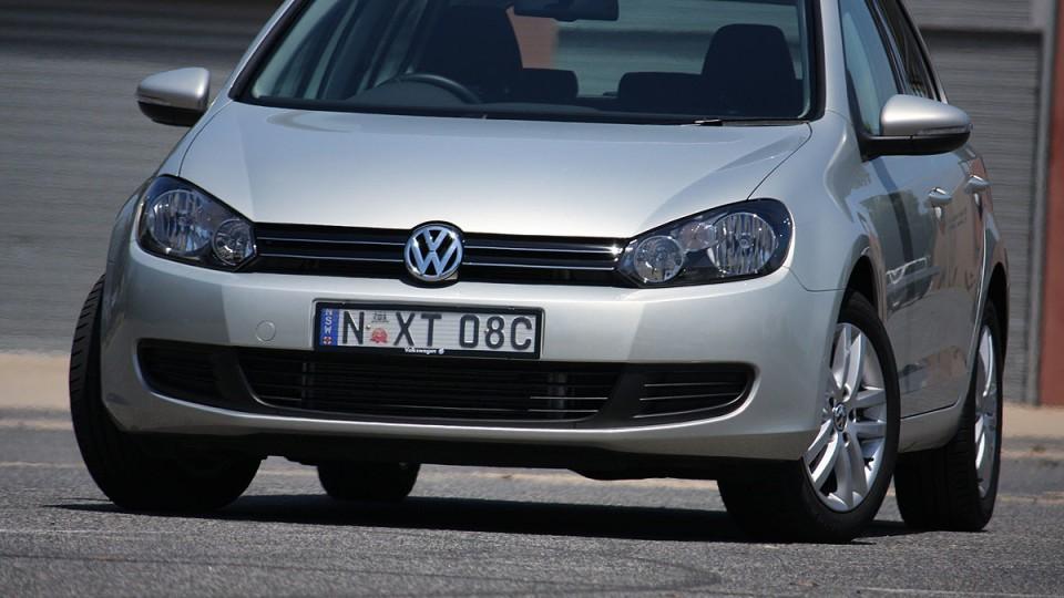 2010_volkswagen_golf_118tsi_comfortline_road-test-review_03.jpg