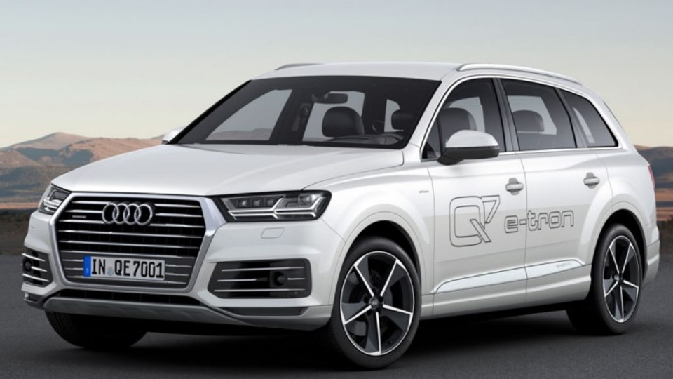 New ultra-efficient Audi Q7 e-tron has been unveiled at the 2015 Geneva motor show.