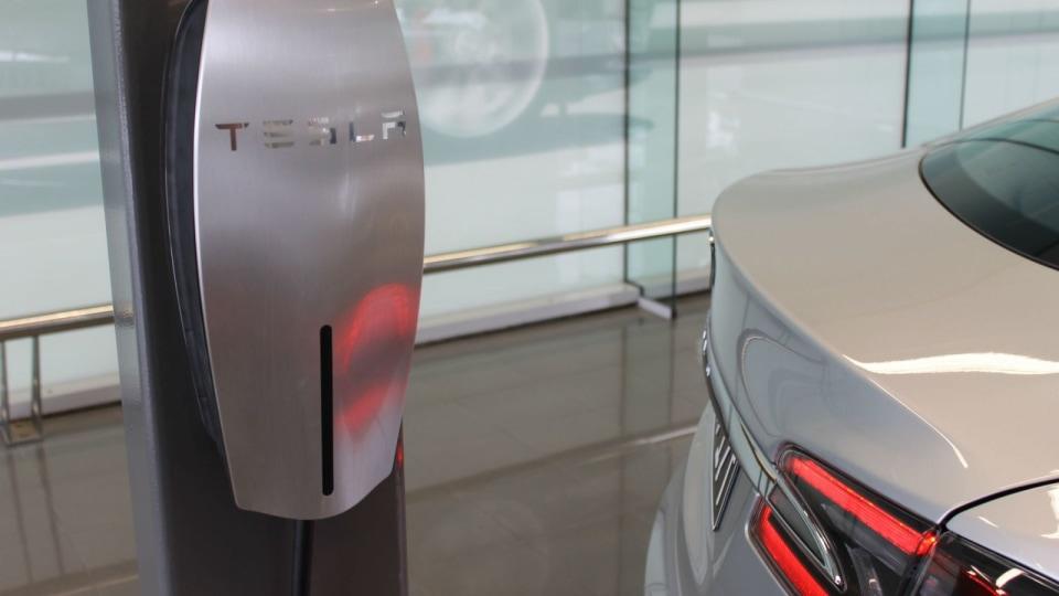 Tesla Working On Snake-like Robotic Wall Charger, 'For Realz'