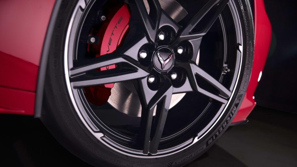 2020 Chevrolet Corvette (C8) review-1
