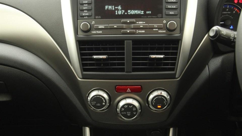 2010_subaru_forester_diesel_road_test_review_interior_05