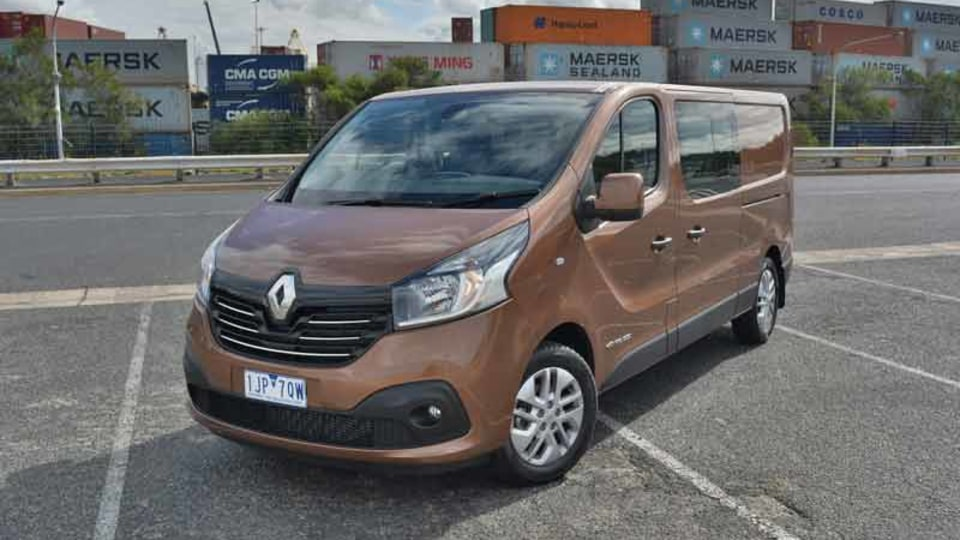2017 Renault Trafic Crew Review | Commercial Van-cum-People-Mover Has Plenty Of Space For the Whole family