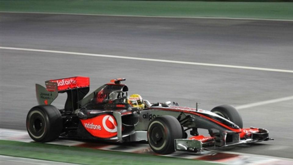 F1: Hamilton Wins Singapore GP, Button Inches Towards Title