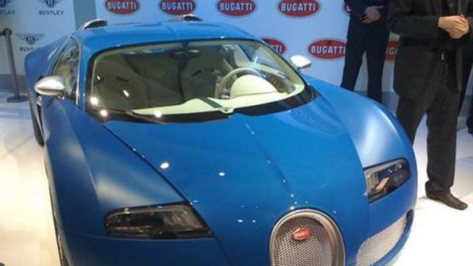 Bugatti Veyron Bleu Centenaire: First Photo Hits the Web