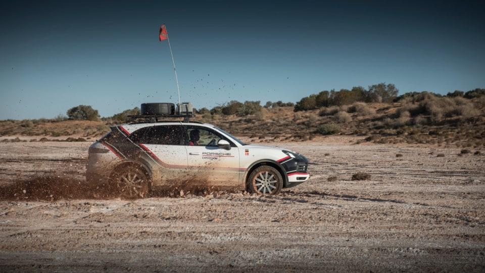 2018 Porsche Cayenne crossing the Simpson Desert