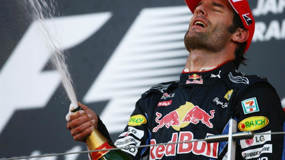 2010_red_bull_mark_webber_japan_gp_ker_robertson_getty_images