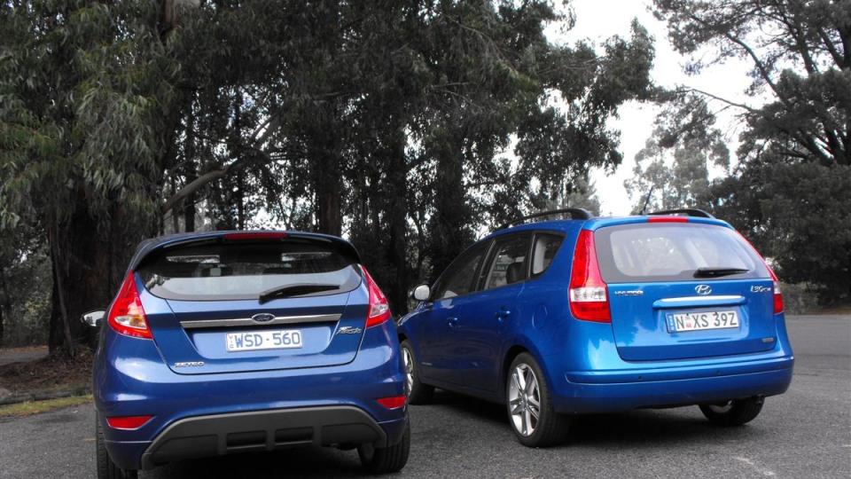 2009-ford-fiesta_five-door_04.jpg
